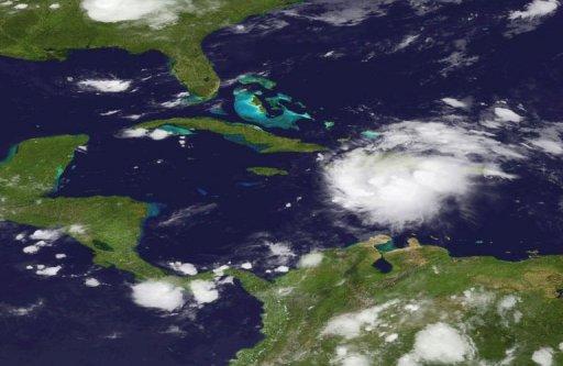 Imagen de satélite de la tormenta tropical Emily, este jueves (AFP/HO/NOAA)