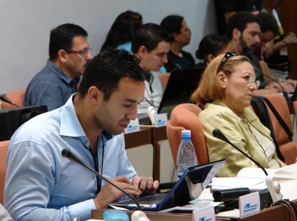 Salim Lamrani es profesor encargado de cursos en la Universidad Paris-Descartes y la Universidad Paris-Est Marne-la-Vallée y periodista francés, especialista en las relaciones entre Cuba y los Estados Unidos.
