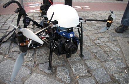 Usa una cámara Canon Lumix de la serie G.