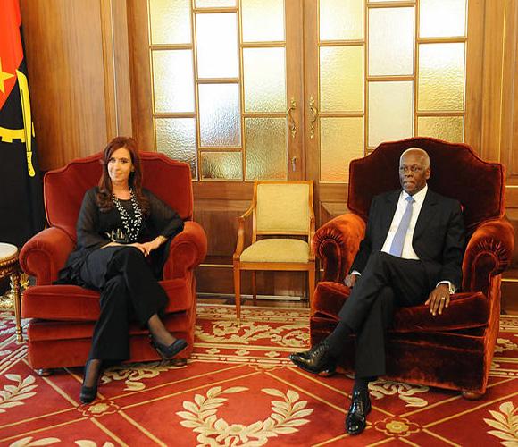 """No es casual que Angola sea nuestra primera escala en Africa""""- dijo la Kirchner"""