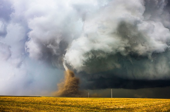 Danza de polvo. Foto: © David Mayhew/Concurso de fotografía National Geographic Traveler