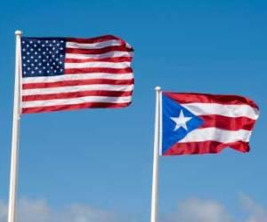 Banderas de EE.UU. y de Puerto Rico