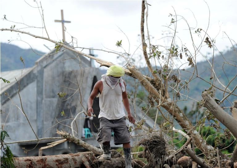 Daños provocados por el tifón Bopha, Filipinas. FOTO: AFP