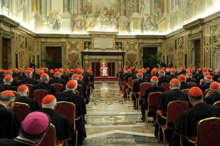 Benedicto XVI convocó a los cardenales de todo el mundo en el Vaticano para despedirse de ellos. Foto AP