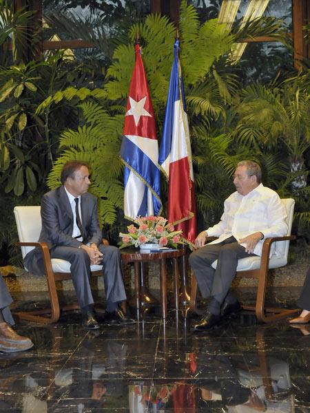 Raul y presidente Senado francés