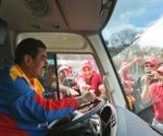 Maduro fue chofer de autobús de la red de transporte público estatal Metrobús en la década de los noventa.