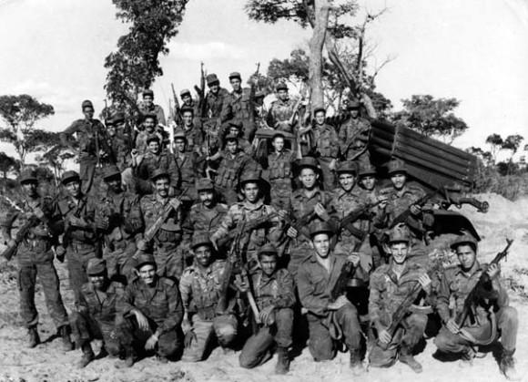 Combatientes cubanos en Cuito Cuanavale, Angola, marzo de 1988.