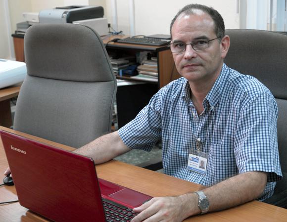 Glauco Guillén, Director de LACETEL