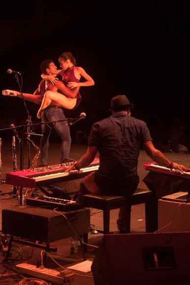 Danza del espíritu, con coreografía de Eduardo Blanco. Foto: Alejandro Ramírez Anderson.