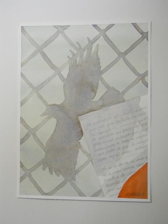 """No.7  LA """"REC"""". Era la forma en que llamaban a la llamada """"RECREACION"""". En esta pintura se ven en primer plano una hoja con un poema escrito y la pared del cubículo al que nos sacaban a la llamada recreación. Sobre la hoja y la pared esta la sombra de la rejilla que hacia función de ventilación y convertía aquel cubículo en una jaula. Además se ve la sombra de un ave que está cruzando en su vuelo sobre la pared y sobre el papel.  Bien temprano en la mañana, a veces antes de las 6, según mis cálculos, venían repartiendo el desayuno. Allí el oficial te preguntaba: ¿Rec? Y si le decías: ¡Yes!, te marcaba en una listica que iba haciendo. En cuanto acababan de repartir el desayuno venían a sacar a los pocos que íbamos a la llamada recreación. Esta """"rec"""" por una hora, era de lunes a viernes. Era la única oportunidad de coger un poco de aire puro. Apenas cuando el sol comenzaba a levantar ya se vencía la hora y te llevaban de regreso a la celda (todo esto esposado por todos lados y chequeados de arriba a abajo). Mis hermanos no iban mucho a esta Rec.  René religiosamente lo hacíia los miércoles y creo que los viernes. Yo salía todos los días, así perdiera mi desayuno y hasta uno que otro lápiz o papel, o algún libro o ropa en los chequeos que cada vez que salía le hacían a mi celda. Sucedía que era ese instante de sentir aquel aire puro el que me daba la inspiración para algún poema. Imposible era sacar un lapicito de los que nos daban y un pedazo de papel para escribir, aunque hubo ocasiones en que lo logré. En mi hora de Rec  me dedicaba a caminar o correr, con chancletas que eran nuestros únicos zapatos, o descalzo; también hacia algo de yoga, pero sobre todo en mi mente perfilaba un poema, al que luego dedicaba prácticamente todo el día en la celda, hasta terminarlo."""