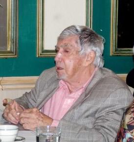 Luis Posada Carriles, en Versailles.