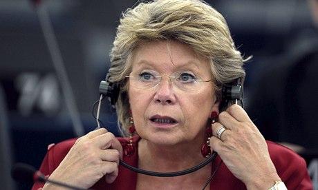 De acuerdo con The Guardian, la Comisionada de Justicia de la Unión Europea, Viviane Reding,  está negociando con los EE.UU. sobre las consecuencias del escándalo de la NSA. Foto: Frederick arubeño / AFP / Getty