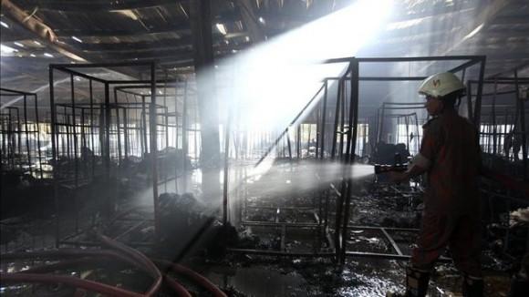 incendio fábrica textil india