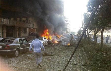 Al menos 23 personas murieron, entre ellas el agregado cultural de la embajada iraní en Beirut, en dos explosiones el martes en la capital libanesa, informó un funcionario. 19 de noviembre de 2013 REUTERS/Ahmad Yassine