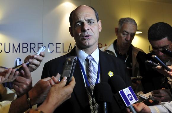 Rogelio Sierra ofrece declaraciones a la prensa nacional. Foto: Ladyrene Pérez/ Cubadebate