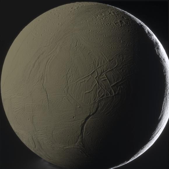 Olha, nós amamos todas as luas do sistema solar.  Mas nós amamos uns mais que outros luas.  No topo dessa lista é rotineiramente Enceladus, os problemas gêiser mundo gelados que orbitam Saturno.  Esta imagem impressionante de Enceladus lançou este ano a partir da Cassini é um dos melhores que eu já vi.  Imagem: NASA / JPL-Caltech / SSI / G.  Ugarković