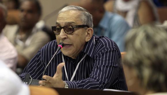 Juan Formell interviene el 11 de abril pasado en el Congreso de la UNEAC. Foto: Ladyrene Pérez/Cubadebate.