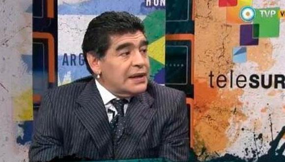 Diego Armando Maradona recordó en el programa que Estados Unidos mantiene encarcelados a defensores de la verdad.