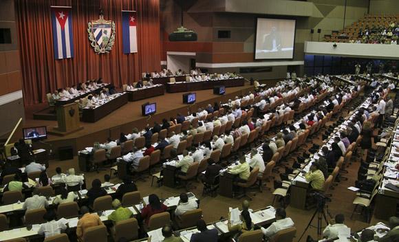 Sesión plenaria la Asamblea Nacional del Poder Popular, correspondiente al Tercer Período de la VII Legislatura, encabezada por los miembros del Consejo de Estado. Foto: Ladyrene Pérez/ Cubadebate.