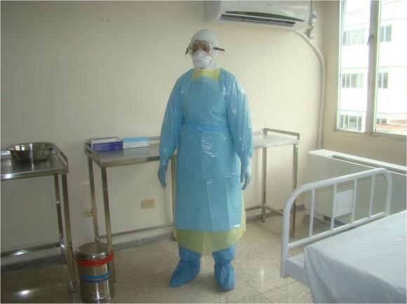 Se cuenta con los medios de protección en el país para que el personal de la salud atienda a posibles pacientes con ébola.