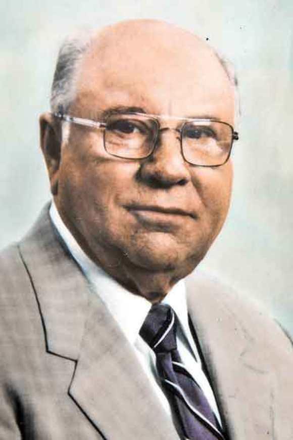 Jakob Denzinger patrullaba los terrenos del campo de concentración de Auschwitz en Polonia.