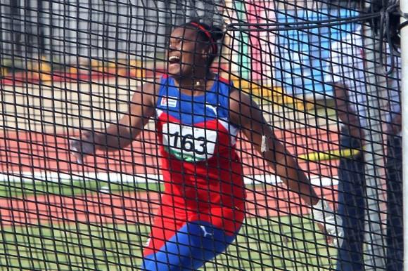 Yipsi Moreno se despide con Oro y récord centroamericano y del Caribe. El atletismo cubano se llevó 23 Medallas de Oro. Foto: Ismael Francisco / Cubadebate.