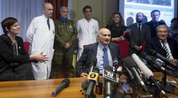 """""""Se observa una mejora de su estado clínico... su estado ha mejorado de forma importante. No tiene fiebre y ha comenzado a alimentarse"""", dijo el jefe de la Unidad de Cuidados Intensivos, Jerome Pugin, responsable de la atención al profesional cubano."""