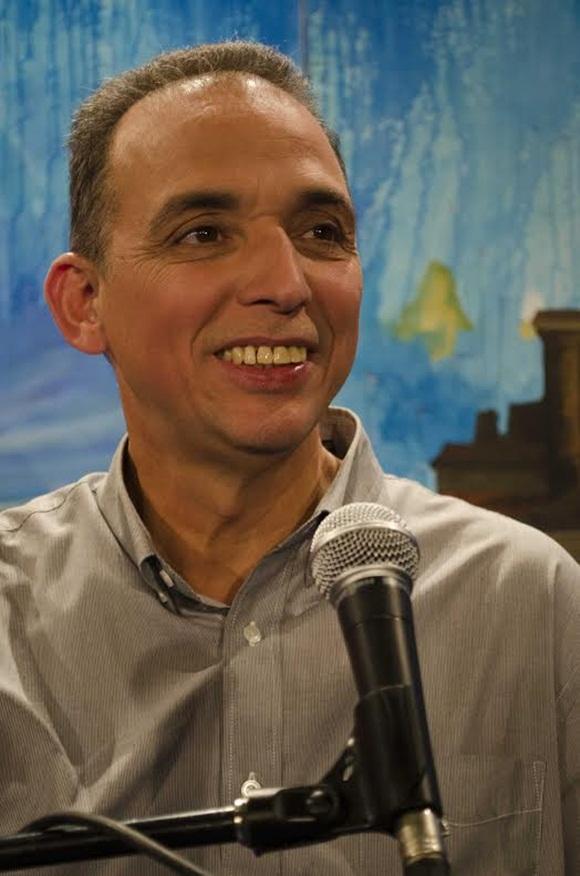 Tony en Entre Manos. Foto: Claudio Pelaez Sordo.