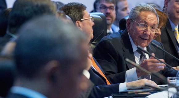 Raúl interviene en la Cumbre. Foto: Pablo Martínez/ AP