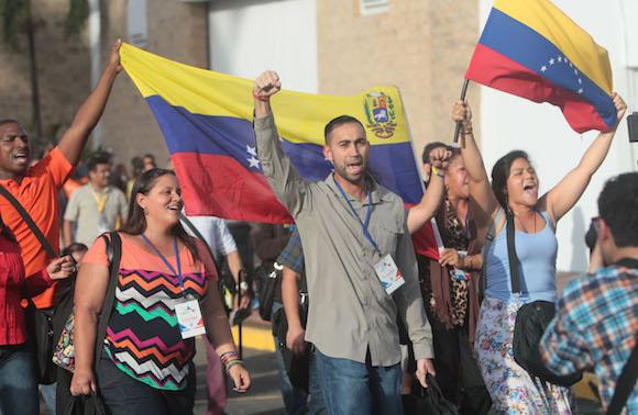 Venezolanos en el Foro de la Sociedad Civil, en el Hotel El Panamá. Foto: Ismael Francisco/ Cubadebate