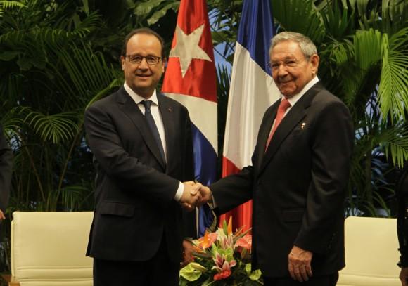 Raúl Castro Ruz y el Presidente Francés Francois Hollande