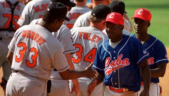 Partido entre Cuba y los Orioles de Baltimore en 1999. Foto: Periódico Trabajadores.