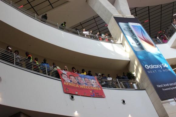 Los Cinco en Sudáfrica. Recibimiento Popular en el Aeropuerto. Foto: Deisy Francis Mexidor / Cubadebate-.....-..-,.--,..-,-ñl