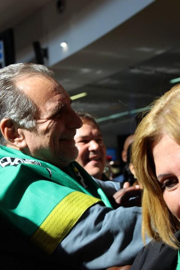 Los Cinco en Sudáfrica. René González en el Recibimiento Popular en el Aeropuerto. Foto: Deisy Francis Mexidor / Cubadebate