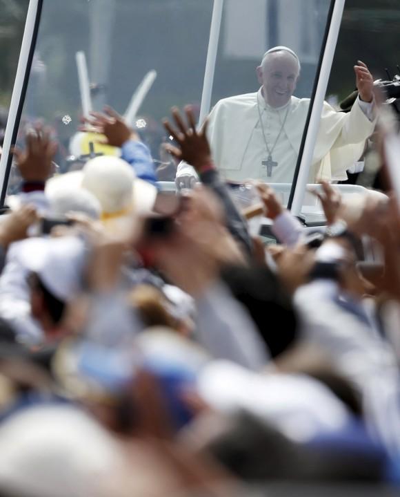 Papa Francisco celebra una misa en el Parque Bicentenario, en Quito, Ecuador. Foto: Reuters.