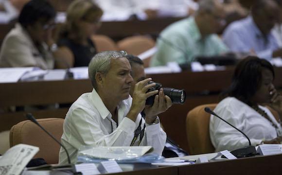 Raúl Castro asiste a la sesión plenaria de la Asamblea Nacional. Foto: Ismael Francisco/ Cubadebate