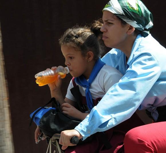 Madre e hija. Foto: Ismael Francisco/ Cubadebate