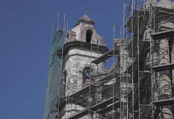 Torre y campanario de la Catedral de La Habana. Foto: Ismael Francisco/ Cubadebate