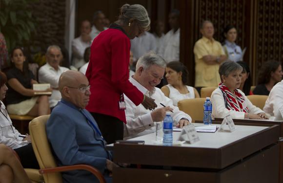 "Se anunció que se llegará a un convenio de paz ""a más tardar en seis meses"". Foto: Ladyrene Pérez/ Cubadebate."