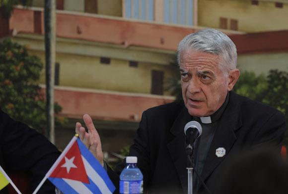 El Padre Federico Lombardi hoy en Conferencia de Prensa en Holguín. Foto: Ismael Francisco/ Cubadebate