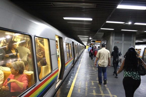 El Metro de Caracas prestará servicio gratuito durante este domingo seis de diciembre, para facilitar el traslado de los usuarios que acudan a los diferentes centros de votación habilitados durante las elecciones parlamentarias.