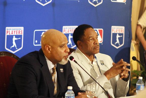 Tony Clark y Dave Winfield. Foto: José Raúl Concepción/Cubadebate.