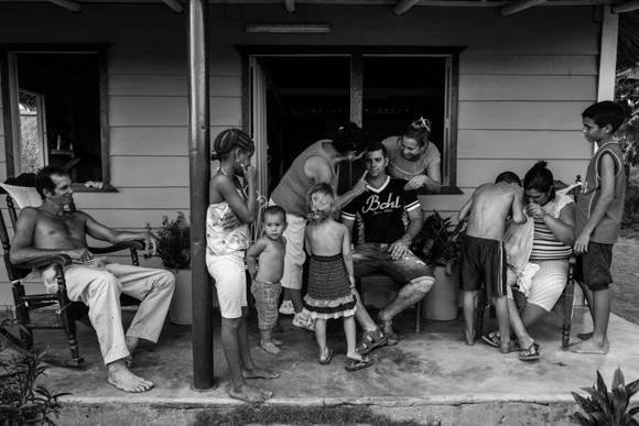 Reencuentro con la familia luego de tres años en Hialeah. Foto: Fulvio Bugani