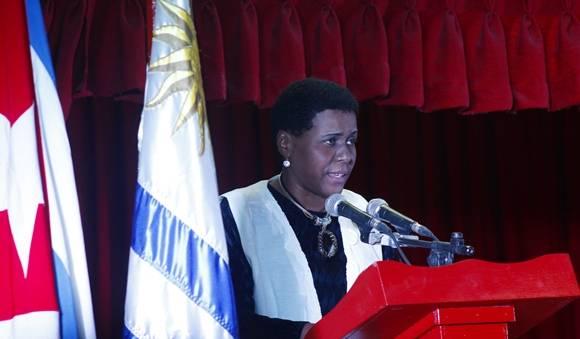 Zuleica Romay se refirió a las transformaciones que tendrá la Feria en su edición 25. Foto: José Raúl Concepción/Cubadebate.