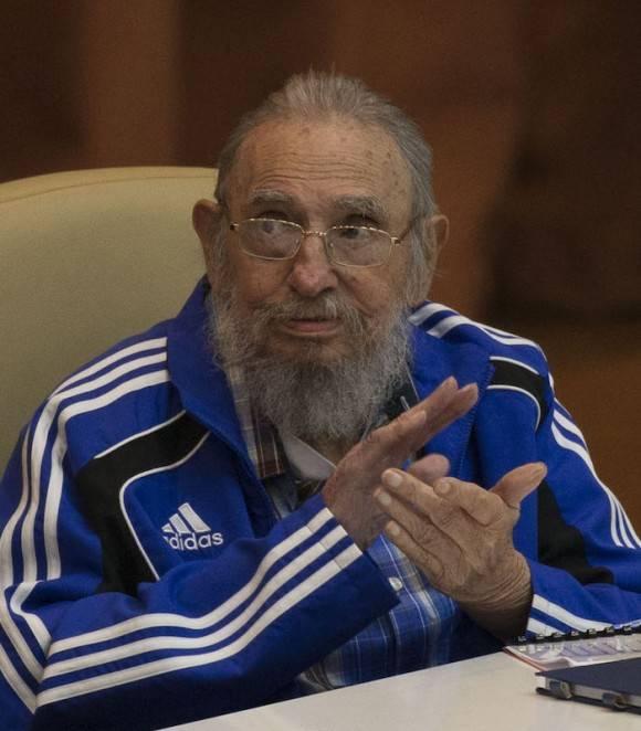 Fidel Castro en la clausura del VII Congreso del PCC. Foto: Ismael Francisco/ Cubadebate