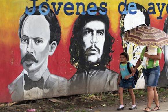 En una calle de La Habana. Foto: Archivo/ Cubadebate