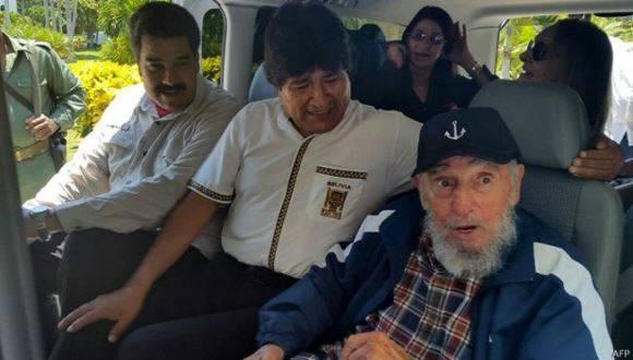 El líder histórico de la Revolución Cubana, Fidel Castro, junto a los presidentes de Venezuela, Nicolás Maduro, y de Bolivia, Evo Morales. Foto: Archivo.