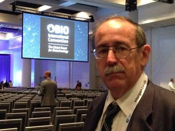 El Dr. Agustín Lage participa también en la Conferencia Bio 2016.  Foto: Cuenta en Twitter de José Ramón Cabañas, Embajador de Cuba en EEUU.