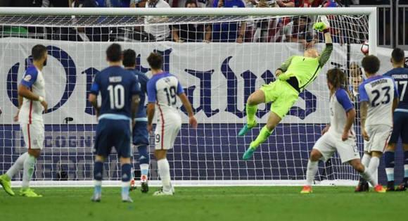 Messi-Argentina-EEUU-CopaAmerica4-3