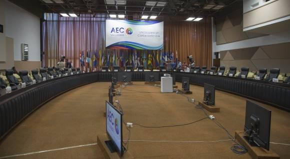 Lista la Sala del Palacio de las Convenciones donde sesionará la reunión de altos funcionarios y Cancilleres. Foto: Ismael Francisco/ Cubadebate